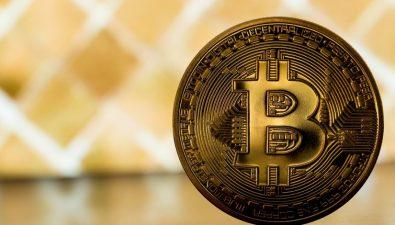 Почему биткоин падает?