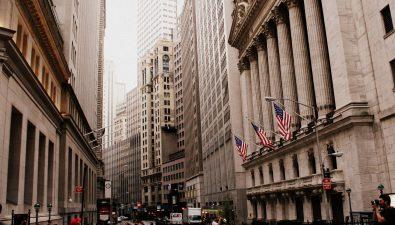 Как следят за курсом биткоина профессиональные трейдеры?