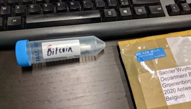Аспирант получил зашифрованный в ДНК биткоин