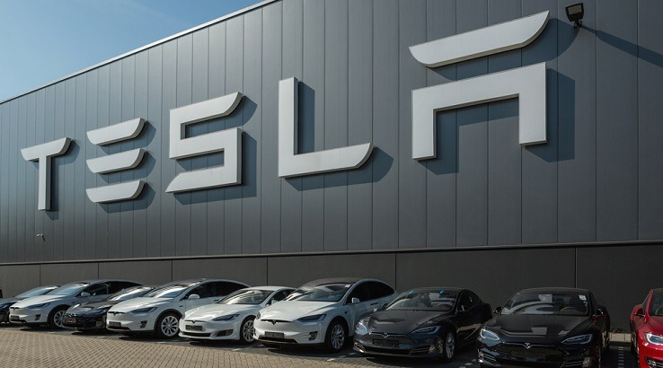 Хакеры взломали облачный сервис Tesla для майнинга криптовалют