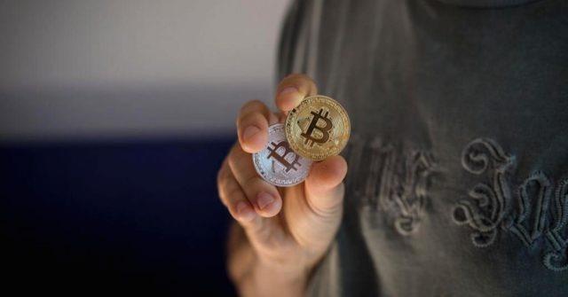 Почему падают комиссии за биткоин транзакции?