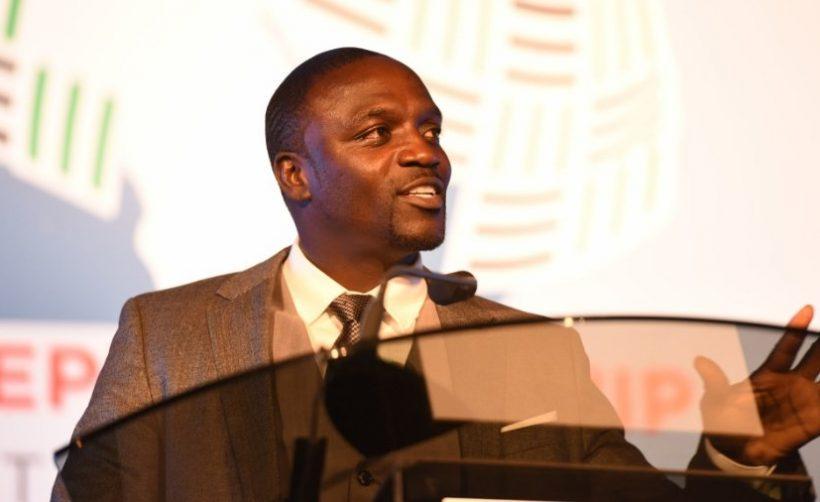 Певец Эйкон запустит криптовалюту для расчётов в «криптогороде» в Сенегале