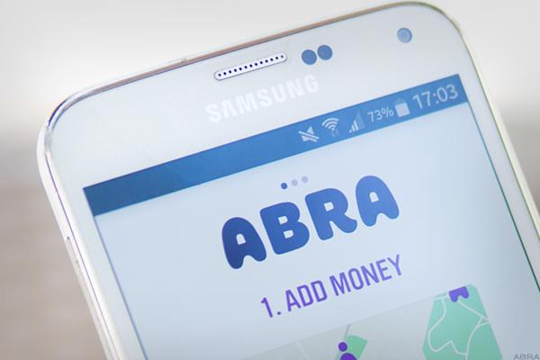 Через приложение Abra теперь можно купить биткоин с помощью Visa/Mastercard