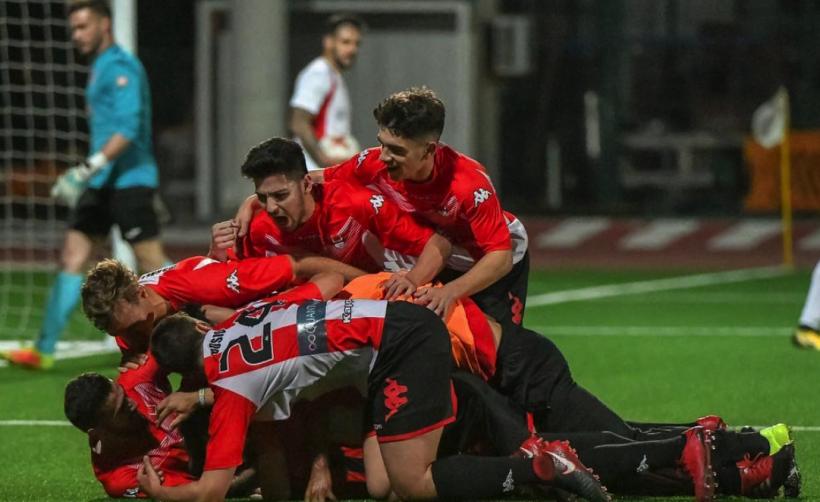 Гибралтарский футбольный клуб будет платить игрокам в криптовалюте