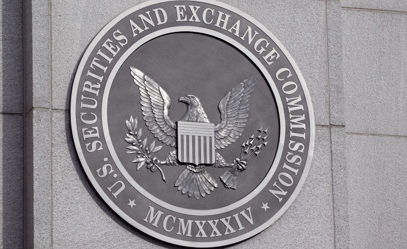 Под давлением SEC два ICO-проекта зарегистрируют токены как ценные бумаги
