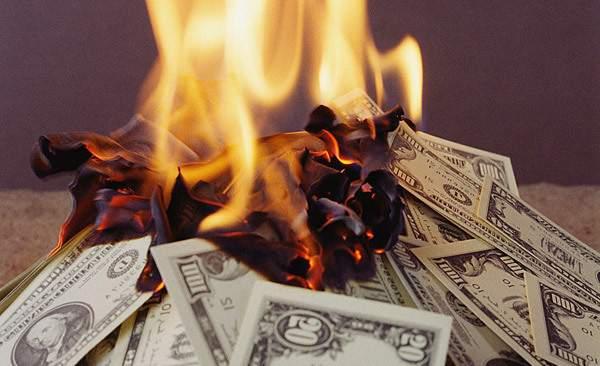 Спады на нефтяных и криптовалютных рынках являются признаком приближения «внезапного краха»