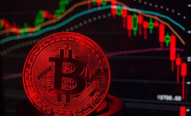Майкл Моро: биткоин продолжит падение до 3000 долларов